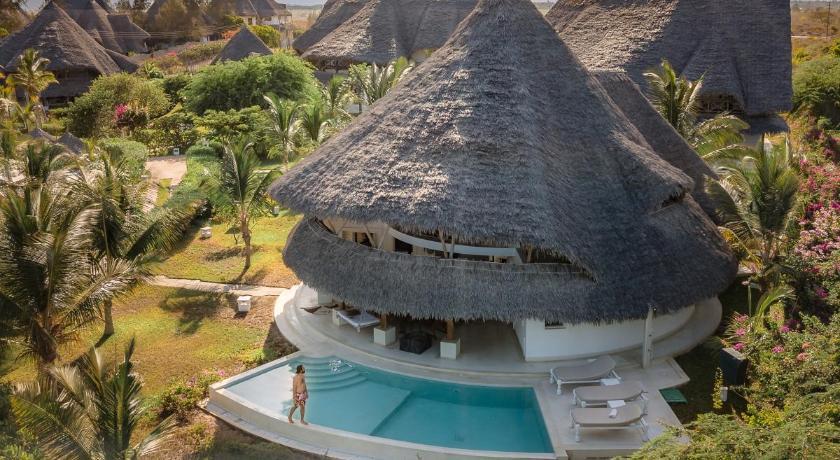 Leopard Point Luxury Beach Resort